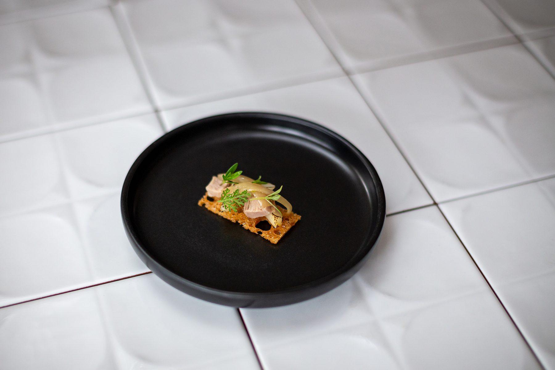 Schillers Restaurant - Lamm Crustini1